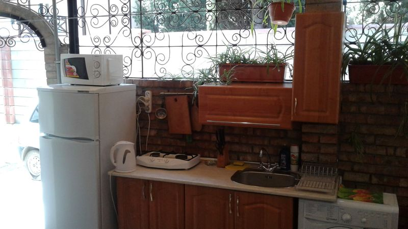 Крым100.рф. Розовый номер для отдыха в Гурзуфе.